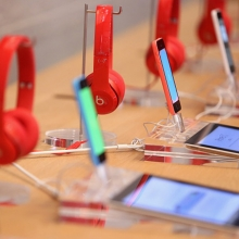 apple-beats-iphone-5c-getty
